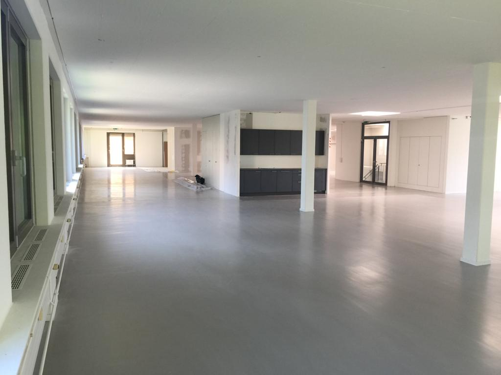 projekt-neuer-boden-mascot-schweiz-ag-showroom-geroldswil